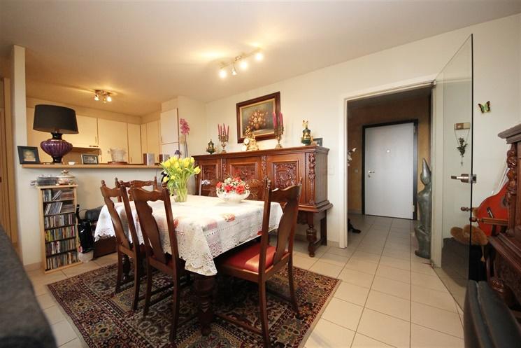 Lichtrijk appartement met twee slaapkamers en voldoende bergruimte!