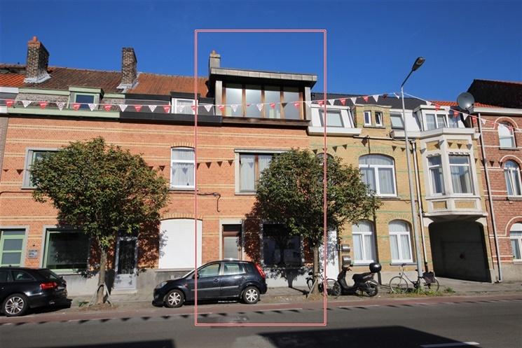 Knap gerenoveerde woning vlakbij het centrum van gent woningen en appartementen te koop in - Gemoderniseerde mezzanine ...