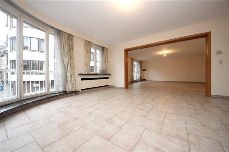 Riant 4-slaapkamer appartement aan station Gent-Sint-Pieters