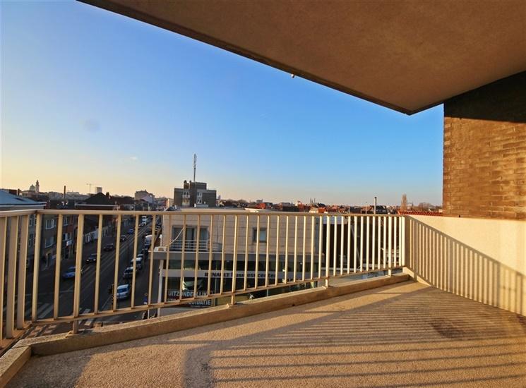 Ruim appartement met zuidgericht terras en 3 slaapkamers op uitstekende ligging