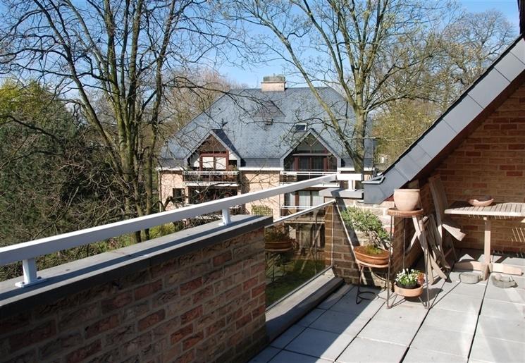 Duplex appartement met 4 slaapkamers op unieke locatie in Heusden