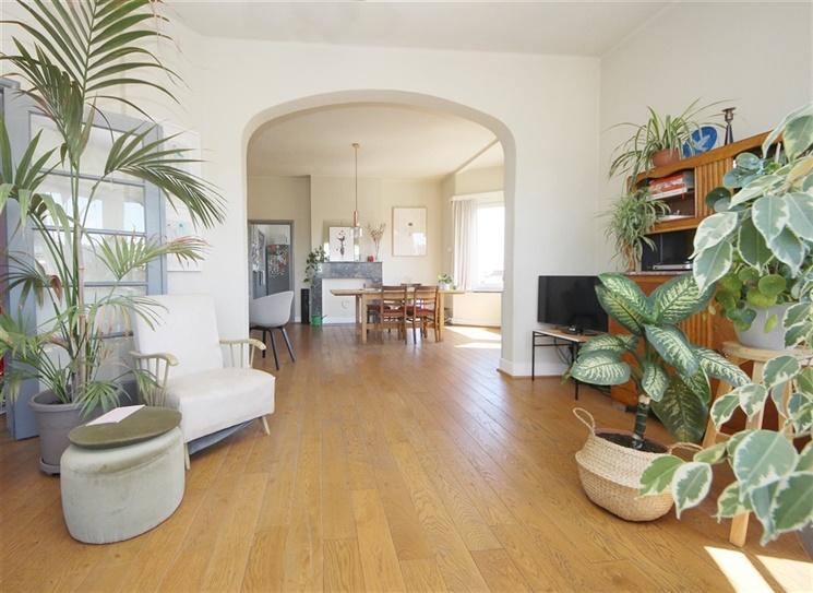 Ruim appartement met uiterst goede ligging nabij Ter Platen!