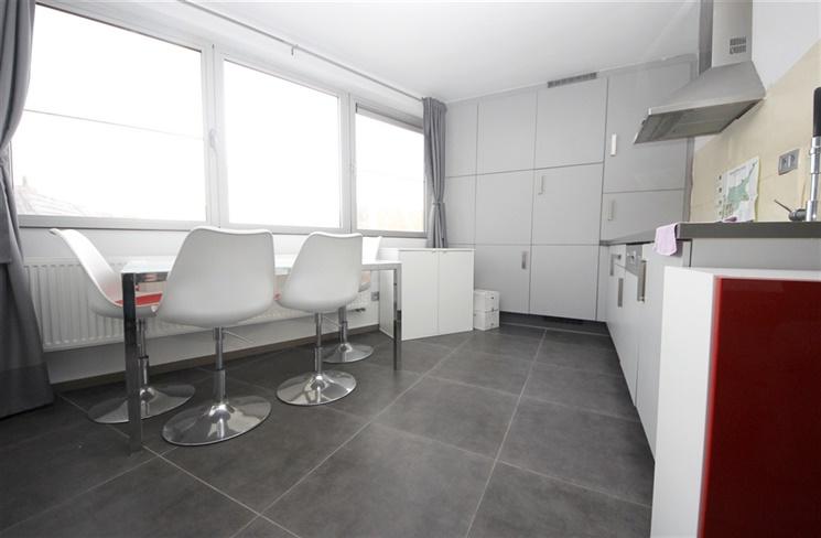 Gemeubeld duplex-appartement nabij het Gentse Strop