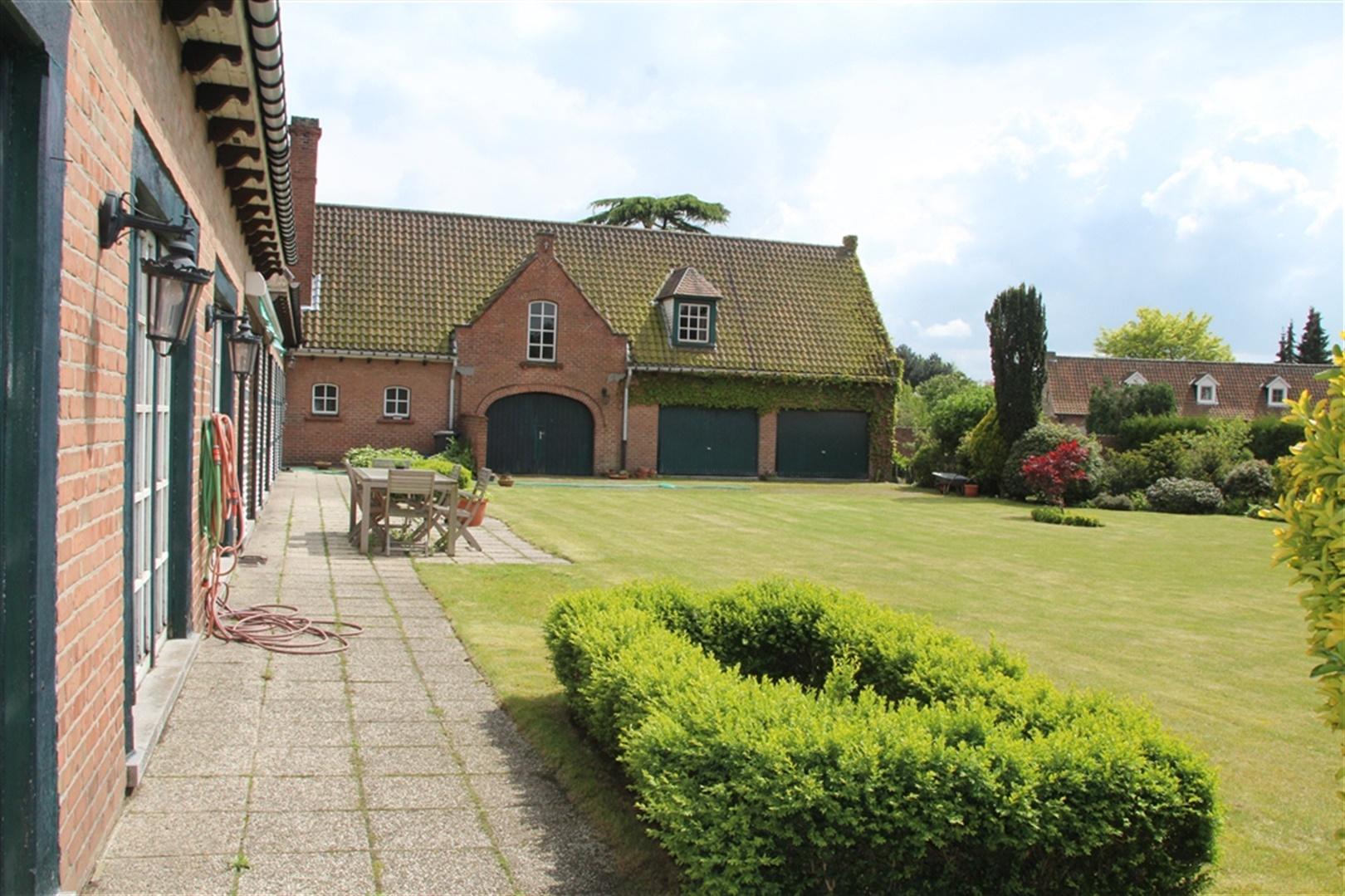 Landelijke villa nabij centrum gent woningen en for Landelijke woningen te koop oost vlaanderen