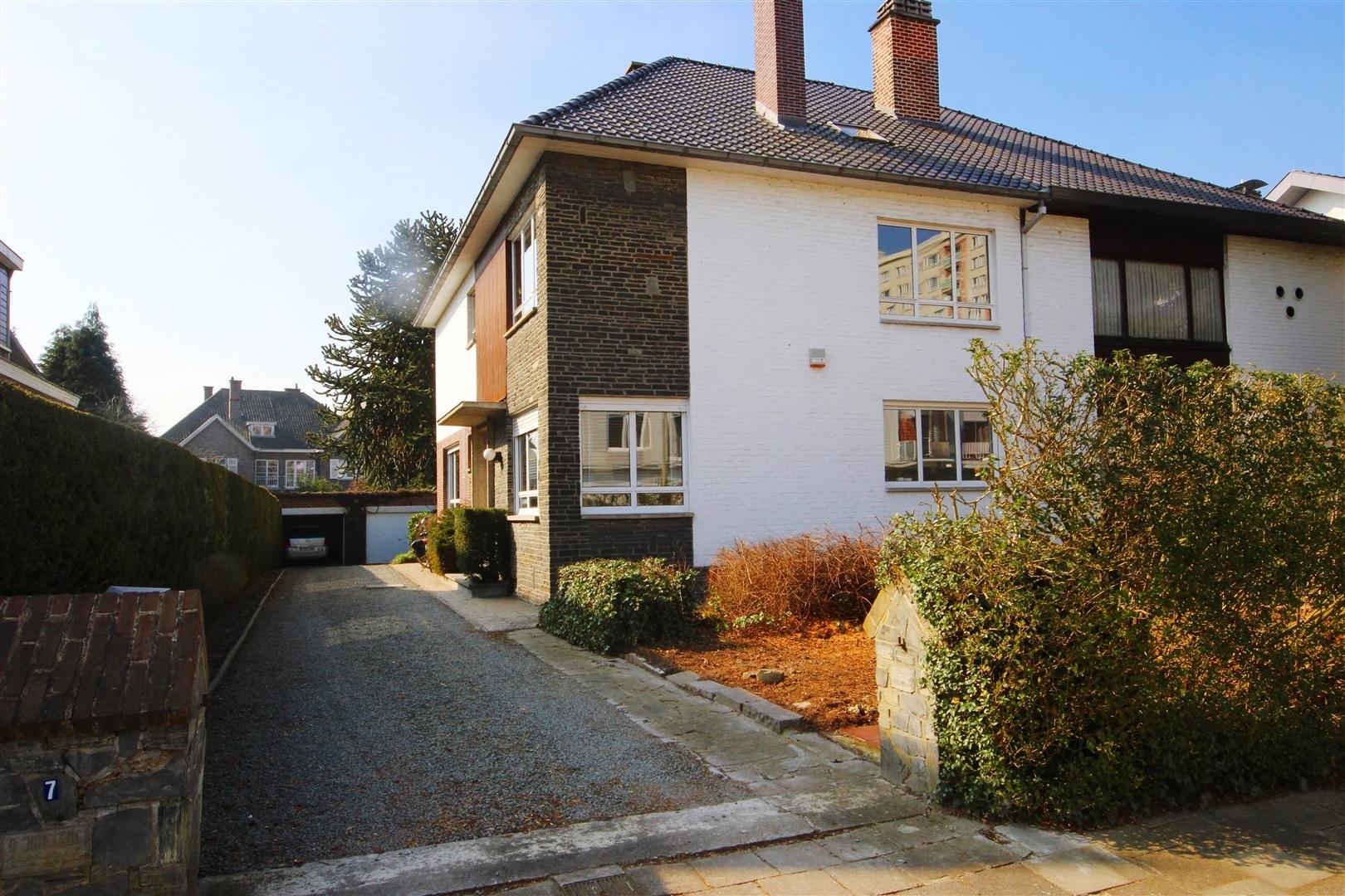 Prachtige woning met veel potentieel woningen en for Huis met tuin gent