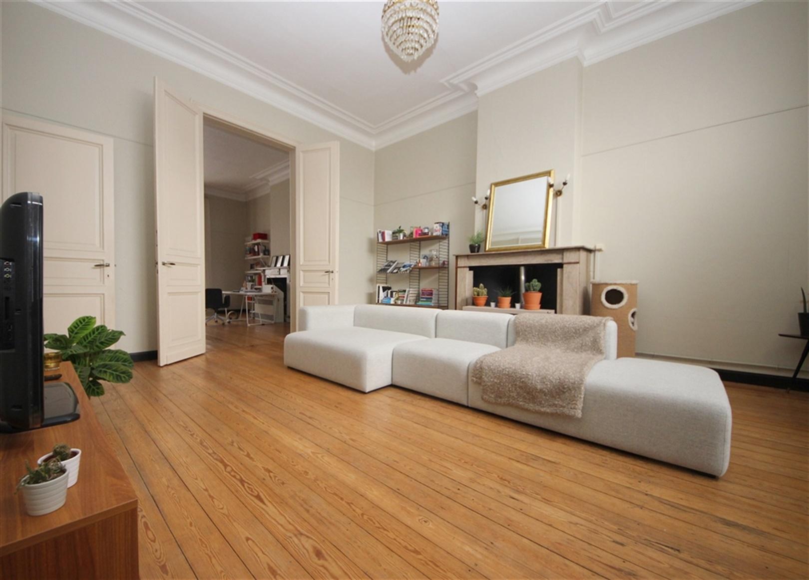 Karaktervol appartement  nabij de Veldstraat!