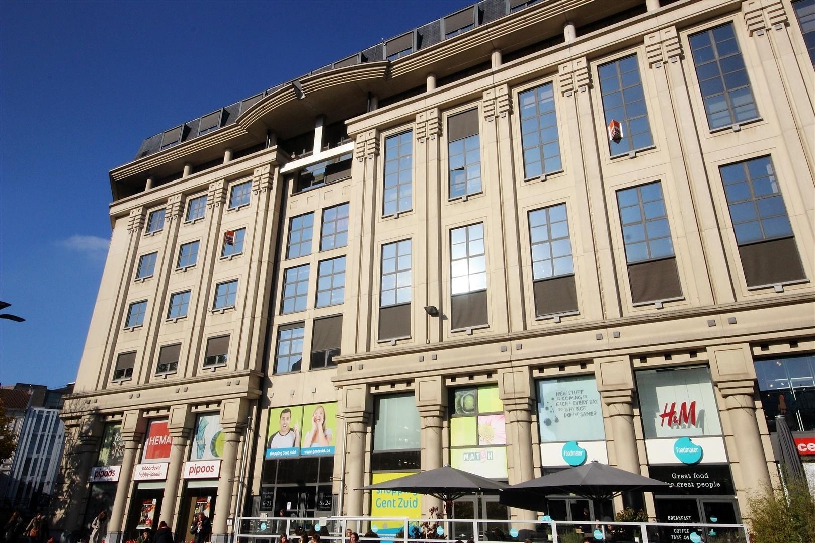 Gezellig éénslaapkamer-appertement gelegen boven het Shoppingcenter Gent-Zuid!