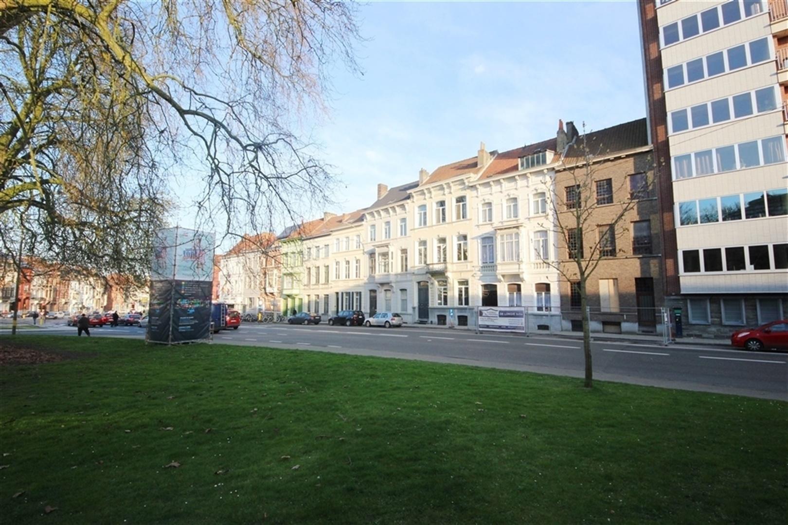 Gerenoveerd appartement in authentiek herenhuis in Gent centrum