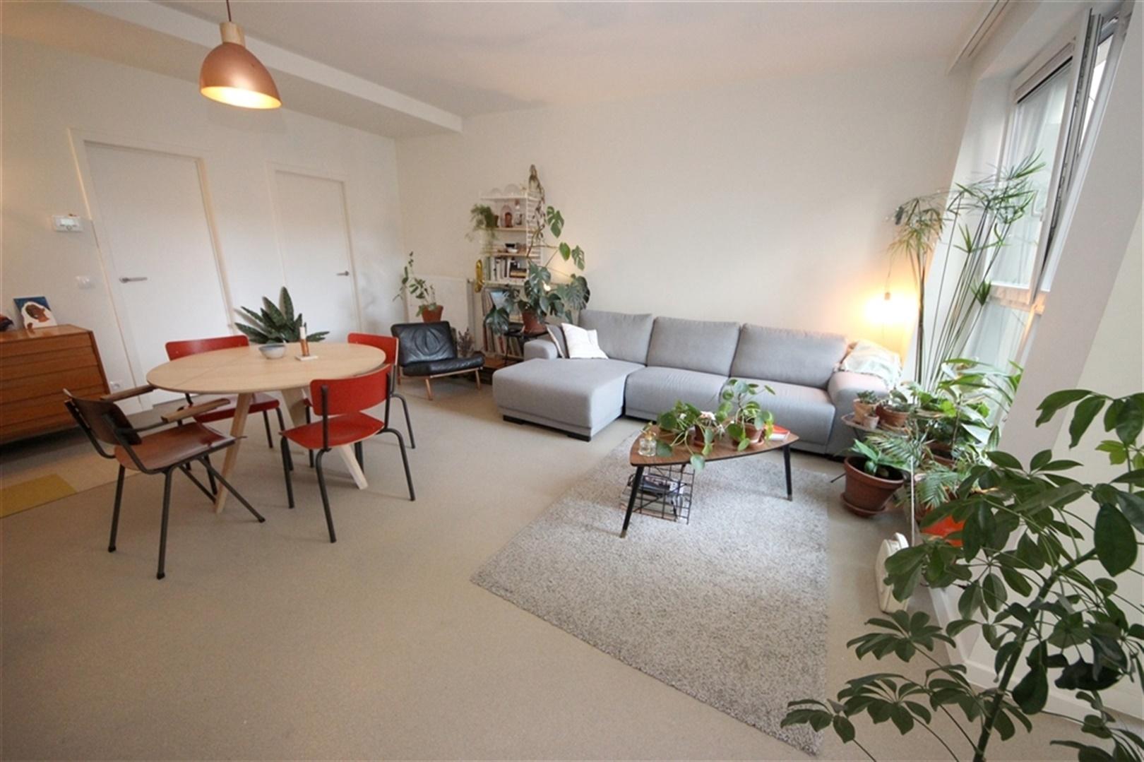 2-slaapkamer appartement mét 2 badkamers nabij Sint-Annaplein