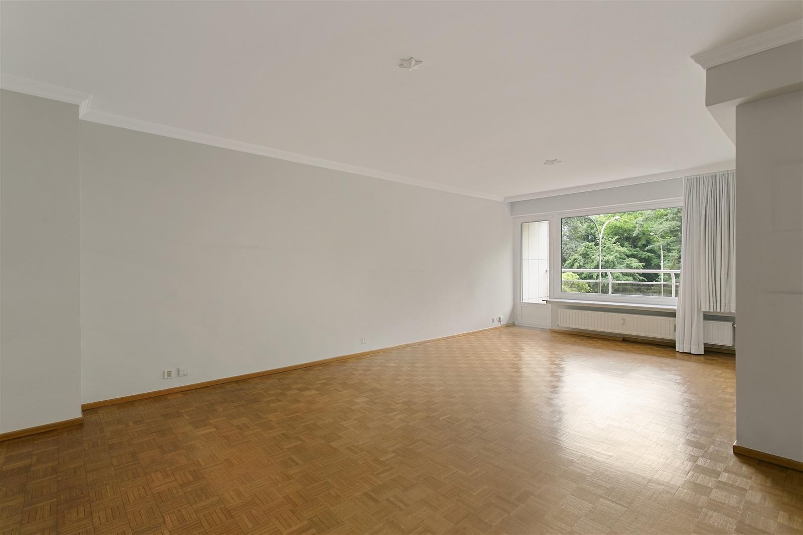 Lichtrijk appartement met 2 slaapkamers aan het Citadelpark!