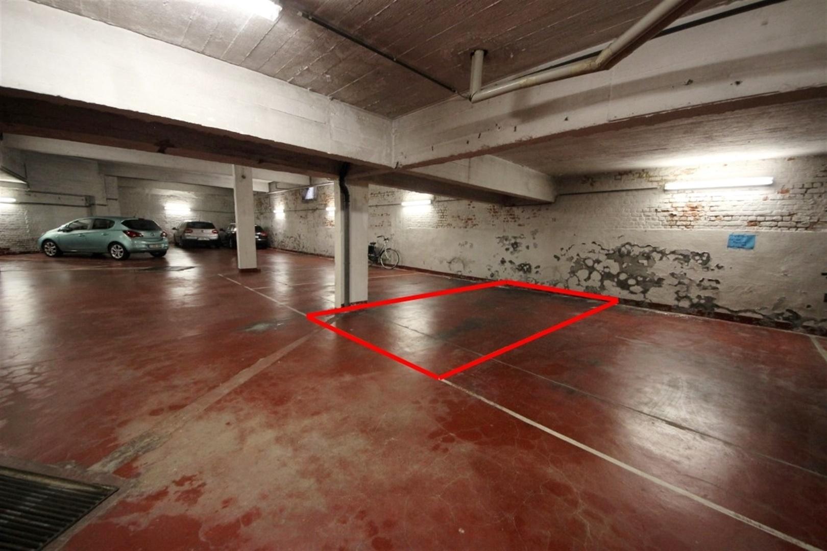 Ondergrondse autostaanplaats aan het Citadelpark